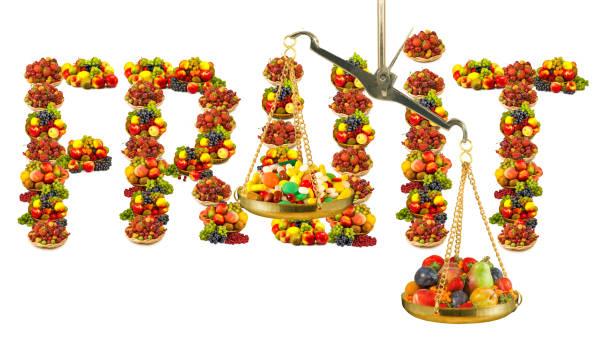 viele früchte, tabletten, vitamine und schuppen aus nächster nähe - birnen rezepte stock-fotos und bilder