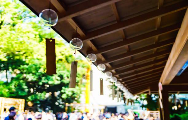 夏には多くの日本風の鐘 - 七夕の写真 ストックフォトと画像