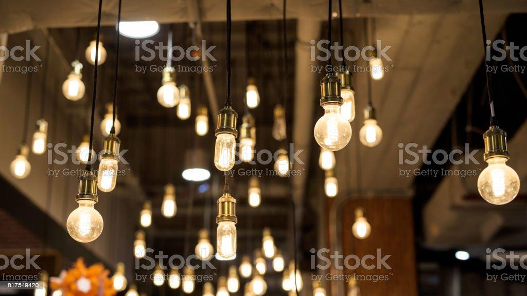 Viele Glühbirnen für die Inneneinrichtung – Foto