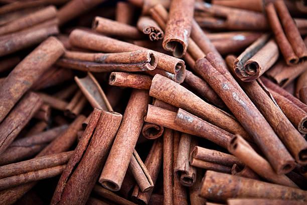 Viele der cinnamon sticks – Foto