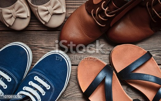 Many woman's shoes
