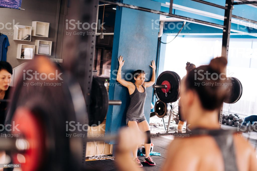 クロス トレーニングで多くの女性 - 20代のロイヤリティフリーストックフォト