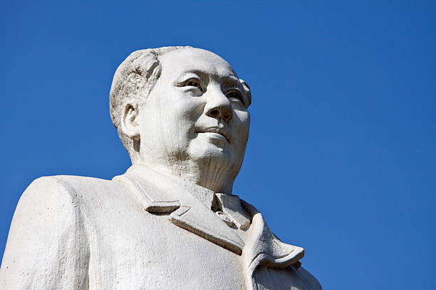 mao tse-tung statue  mao tse tung stock pictures, royalty-free photos & images
