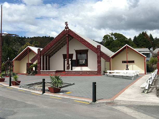 """Maori culture """"Traditional rural Maori house in New Zealand, in which modern materials are mixed with traditional culture and style"""" whakarewarewa stock pictures, royalty-free photos & images"""