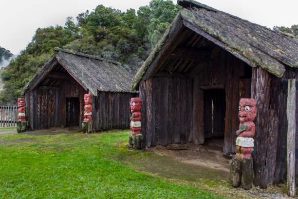 Maori native dwelling Rotorua, New Zealand- October 29, 2017: Maori native dwelling in Maori village whakarewarewa stock pictures, royalty-free photos & images