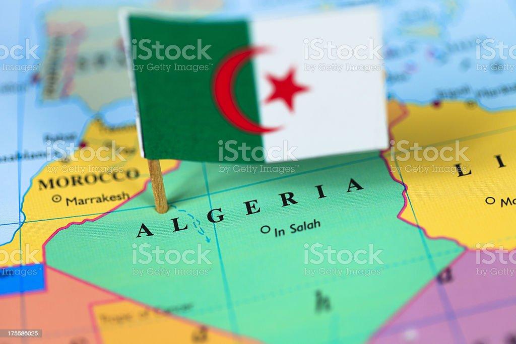 Carte et Drapeau de l'Algérie - Photo