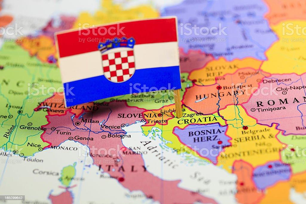 Mapa e a bandeira da Croácia - foto de acervo