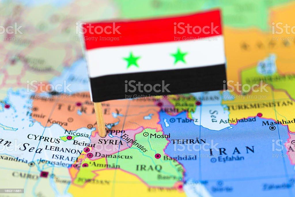 Mapa y bandera de siria - foto de stock
