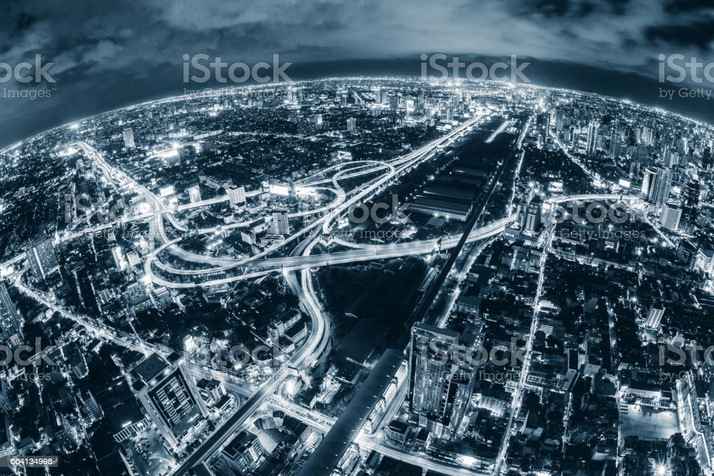 Map pin flat above blue tone city scape and network connection concept foto stock royalty-free