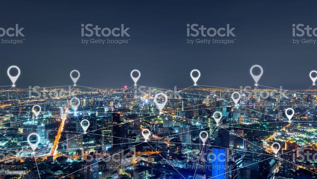 Karte-Pin flach der Stadt, Netzwerk-Anschlussleitungen in Bangkok Innenstadt, Thailand. Finanzviertel und Business-center in intelligente urbane Stadt in Asien. Wolkenkratzer und Hochhaus Gebäude in der Nacht - Lizenzfrei Architektur Stock-Foto