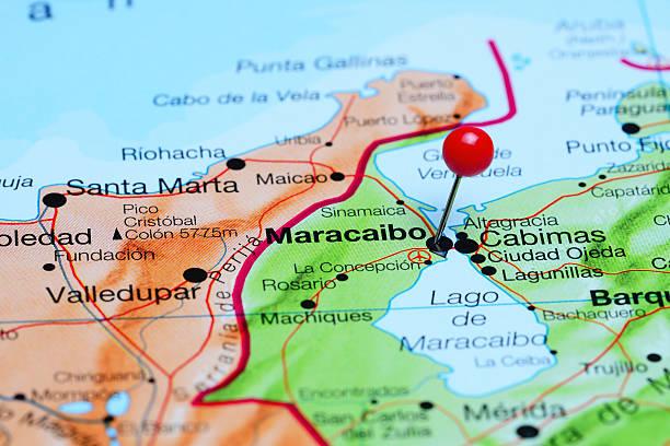 maracaibo pinned en un mapa de américa - maracaibo fotografías e imágenes de stock