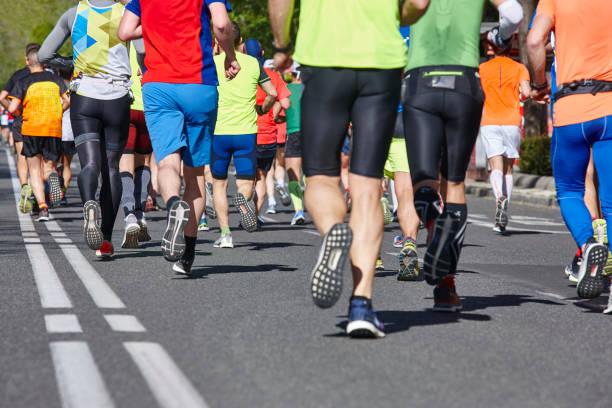 Marathonläufer auf der Straße. Gesunder Lebensstil. Athleten – Foto