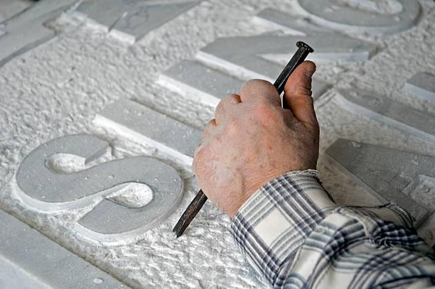 travailleur en marbre, de tombstone - gravure à photos et images de collection
