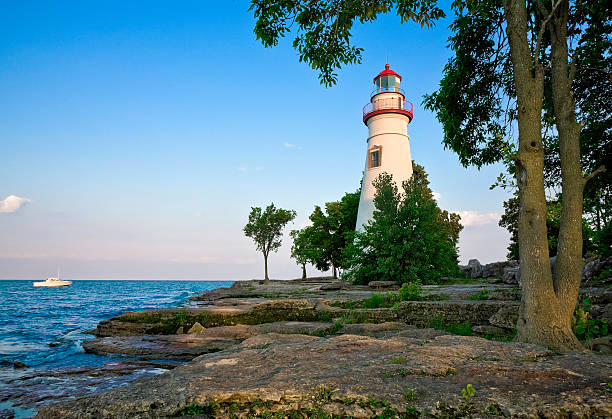 marblehead lighthouse-lake erie, ohio - eriesee stock-fotos und bilder
