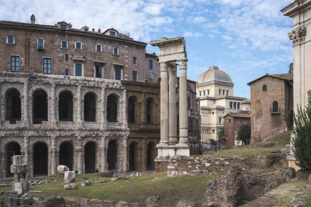 teatro marcello - roma foto e immagini stock