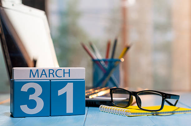 march 31st. day 31 of month, calendar on business office - marzo foto e immagini stock