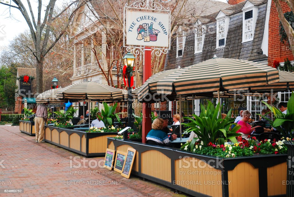 Marchants Square, Williamsburg Williamsburg, VA, USA December 6, 2011 a lunch crowd gathers at Merchants Square, a retail and dining area just west of Colonial Williamsburg, Virginia American Culture Stock Photo