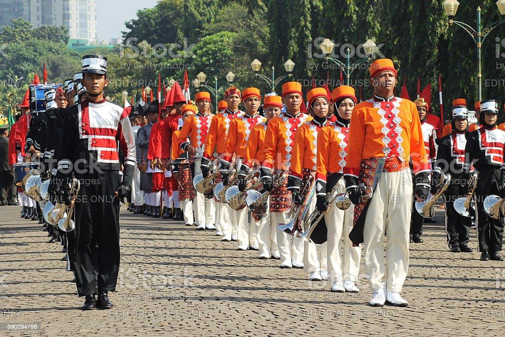Marching Band Group Walking Proudly royaltyfri bildbanksbilder