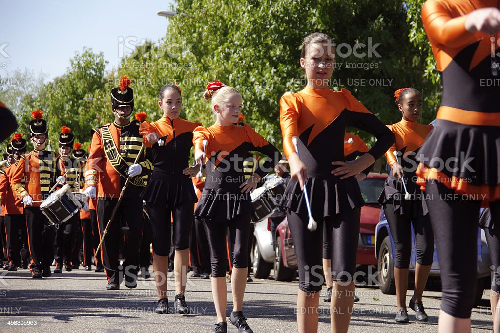 Marchando majorettes - foto de stock