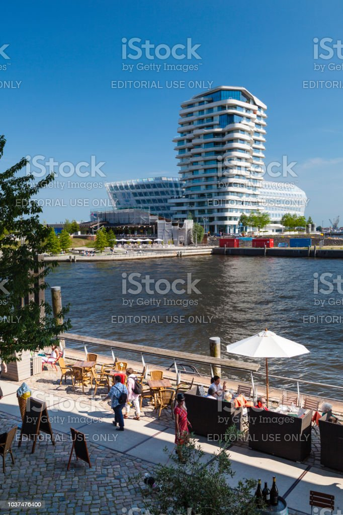 Marco Polo Tower In Hamburg Deutschland Leitartikel Stockfoto und ...