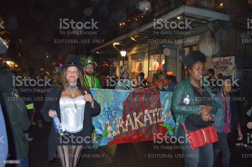 mardi gras 2018 in new orleans la krewedelusion parade in french