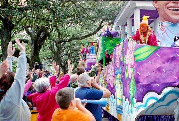 mardi gras parade - geçit töreni stok fotoğraflar ve resimler