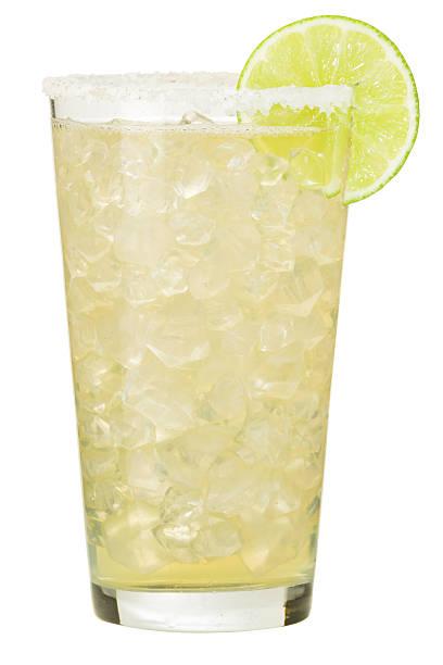 margarita cocktail on white - 얼음 조각 뉴스 사진 이미지