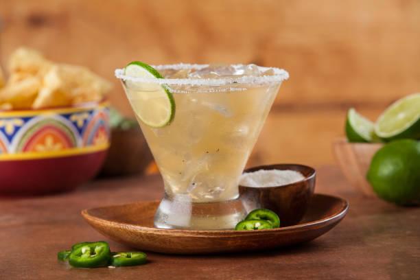 Margarita custom Margarita on the rocks salt rim margarita stock pictures, royalty-free photos & images
