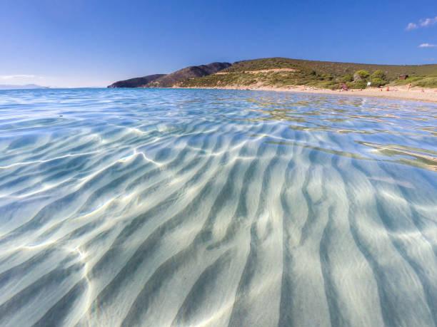 spiaggia di mari pintau - quartu sant'elena - cagliari - sardegna foto e immagini stock