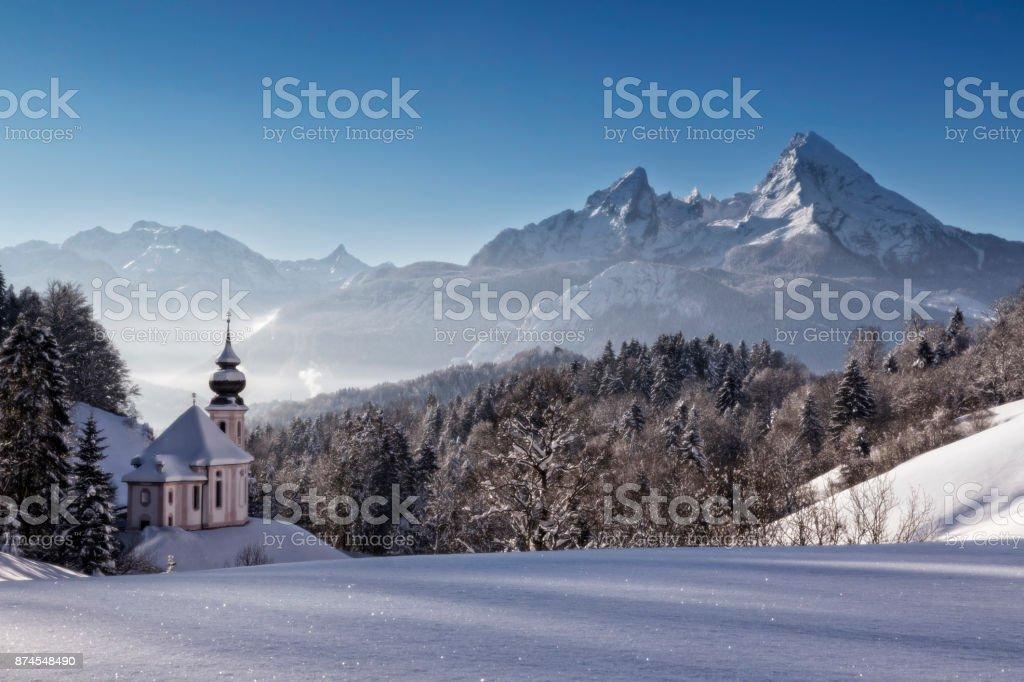 Kirche Maria Gern mit Watzmann im Winter, Berchtesgadener Land, Bayern, Deutschland – Foto
