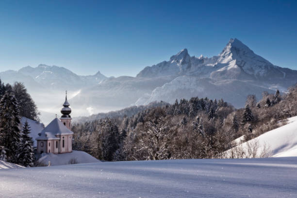 maria gern kyrka med watzmann vintertid, berchtesgadener land, bayern, tyskland - bayerischer wald bildbanksfoton och bilder