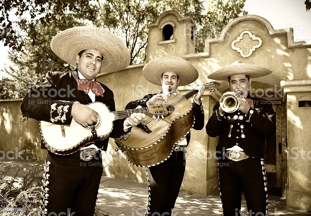 the mariachi and special occasions Special events info the mariachi bar room is available monday through thursday for groups of 25 guests (minimum) up to 70 guests (maximum) mariachi bar charges a room fee and requires that you order from a set menu from our reservation package.