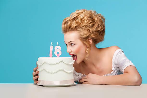 marie antoinette - prinzessinnen torte stock-fotos und bilder
