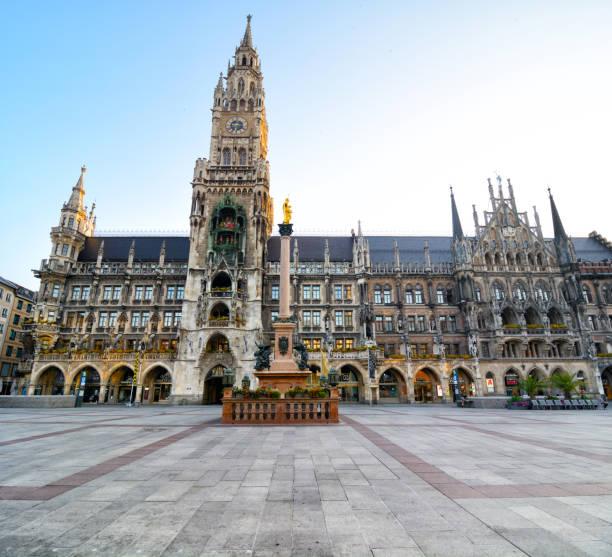 marienplatz i münchen, tyskland - marienplatz bildbanksfoton och bilder