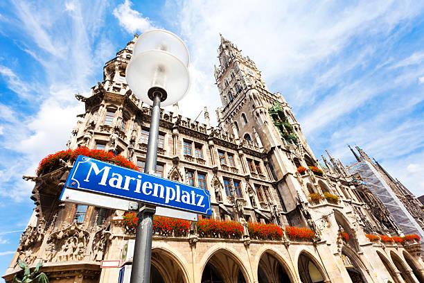 marienplatz a monaco di baviera - marienplatz foto e immagini stock