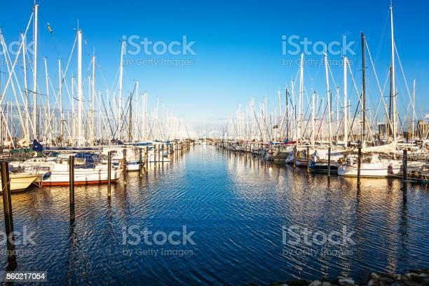 Marina An Der Ostsee Stockfoto und mehr Bilder von Beschaulichkeit