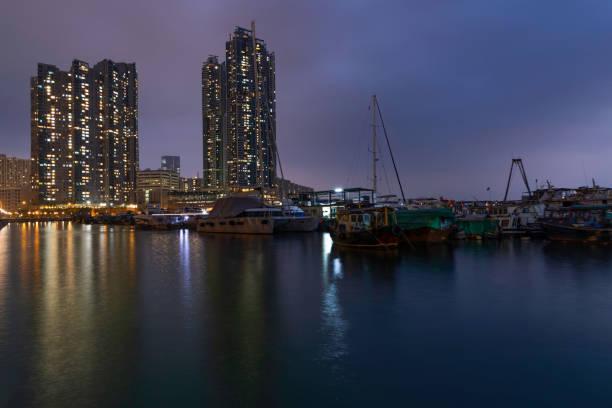 Marina in Hong Kong in the evening – zdjęcie