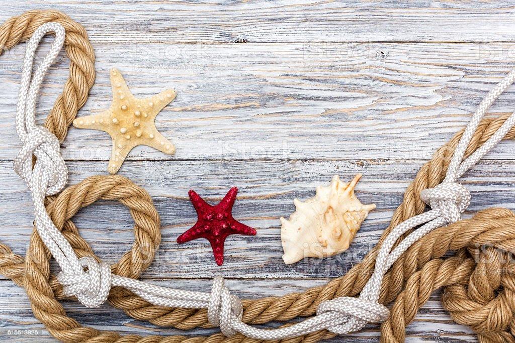 Arredamento Bianco E Corda : Marine corda e stelle marine su bianco stiro fotografie stock e