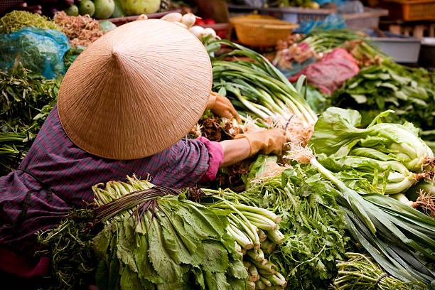 market dalat vietnam vietnamese woman asian market dalat central highlands vietnam asian market stock pictures, royalty-free photos & images