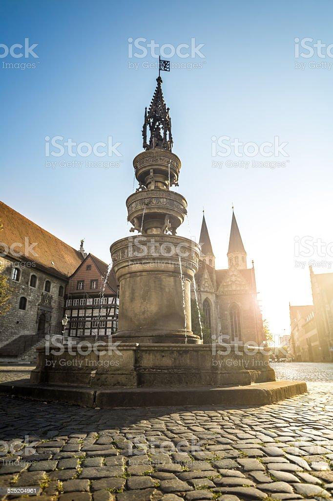 Market place mit Brunnen und Kirche in Braunschweig – Foto