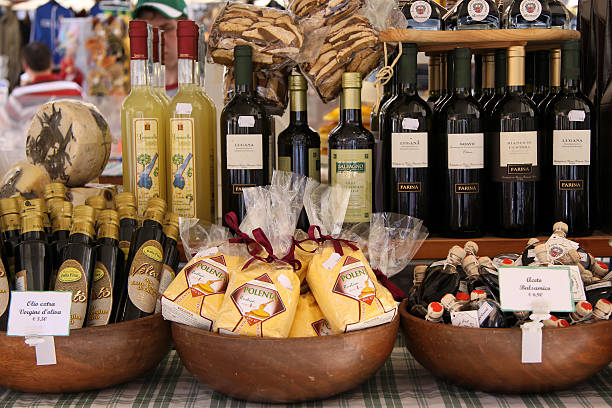 Marktstand in Verona mit Delikatessen – Foto