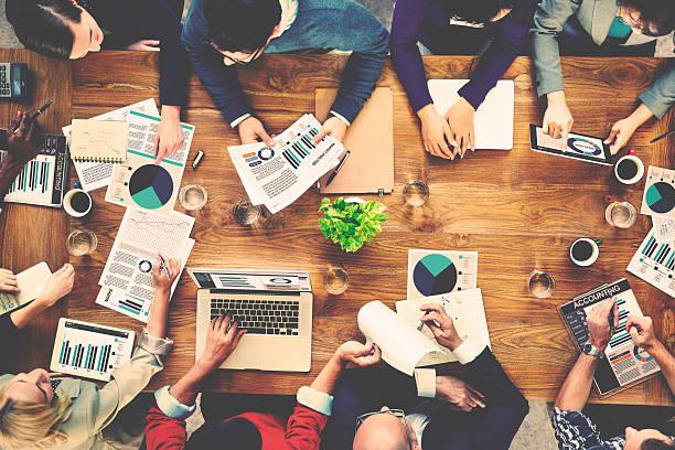 Análisis de equipo Comercialización contables concepto de reuniones de negocios - foto de stock