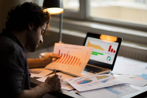 graph statistik digitale analyse finance marketingkonzept - bericht stock-fotos und bilder