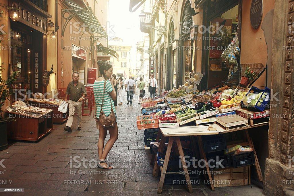 Marketplace im Zentrum von Bologna, Italy – Foto