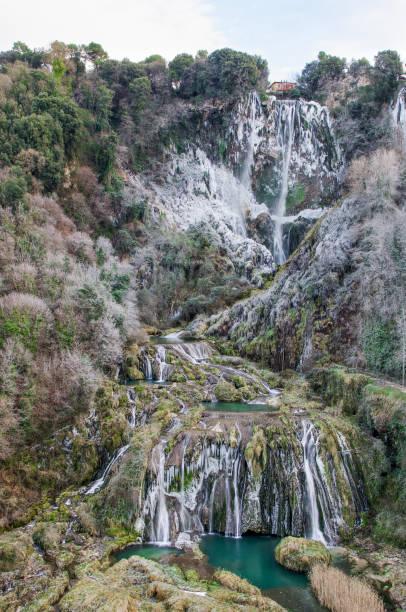 marmore vattenfall - isvak bildbanksfoton och bilder
