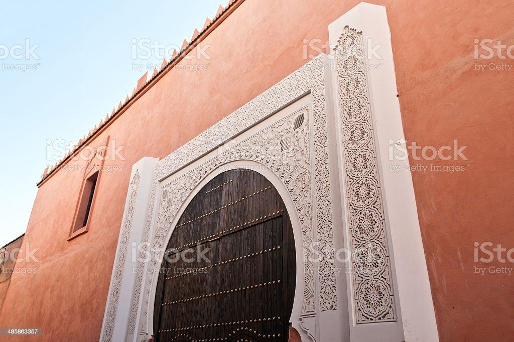 Na mesquita Marocco portas - foto de acervo
