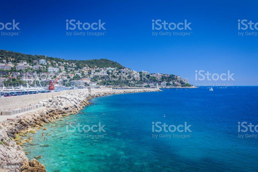 Agua marrón en entrada a Niza, Puerto de Lympia - foto de stock
