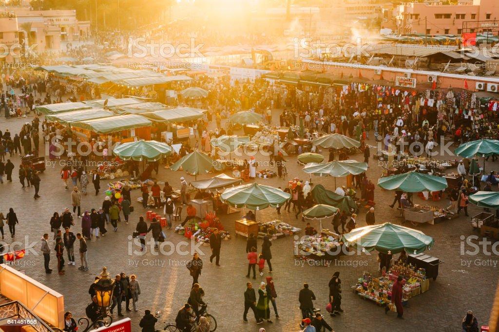 Marrakech -  Djemaa El Fna Square - Foto stock royalty-free di Affollato