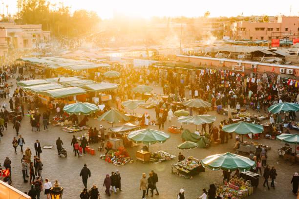 marrakech - djemaa el fna square - walking home sunset street bildbanksfoton och bilder