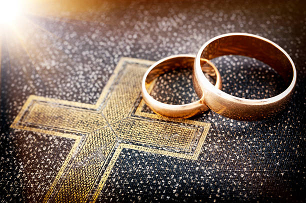 Marriage forever Marriage forever (macro photo) , Nikon D5000 honeymoon stock pictures, royalty-free photos & images